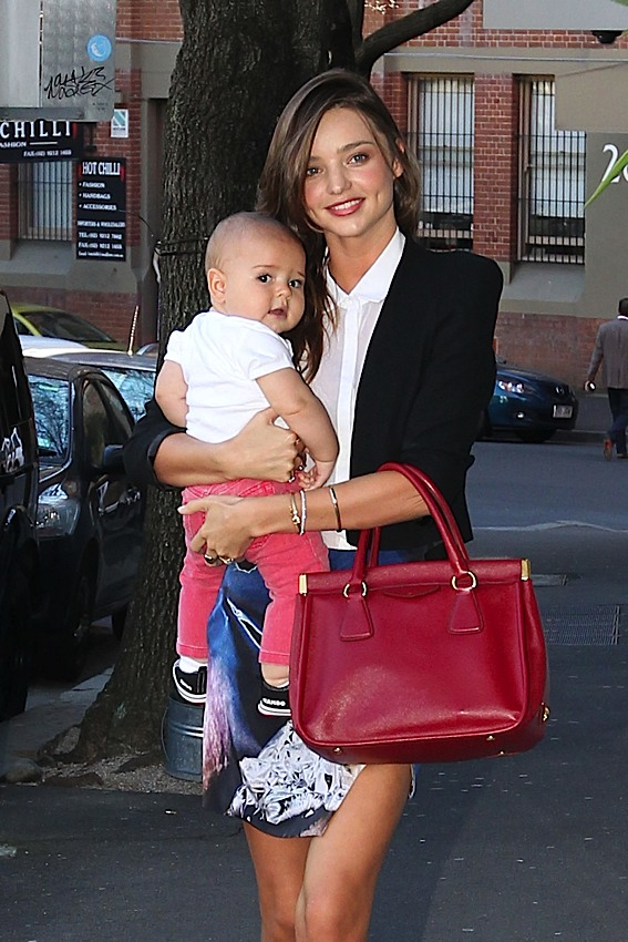 Celebrity Bagsessions: Miranda Kerr Loves Prada | The Bagateur